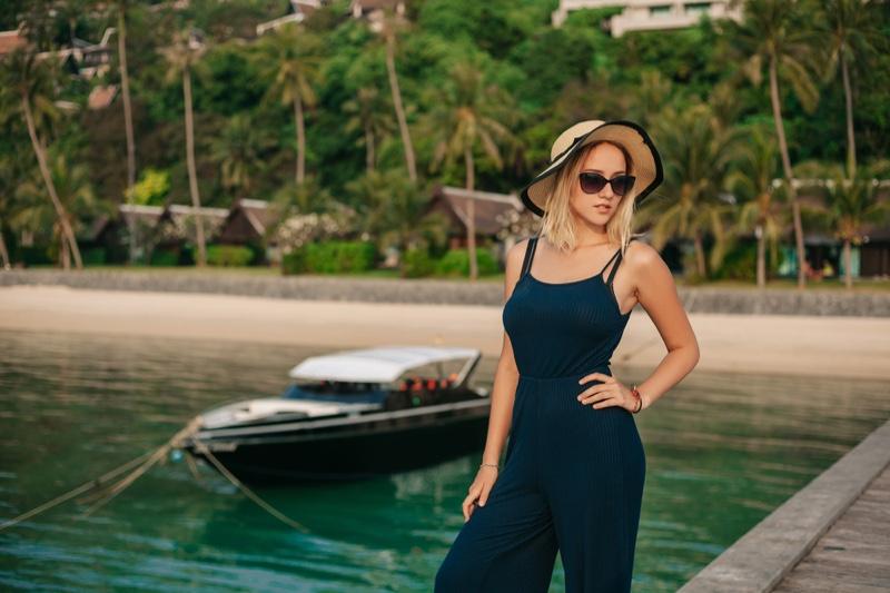 Vacation Fashion Pants Sunhat Blonde Model
