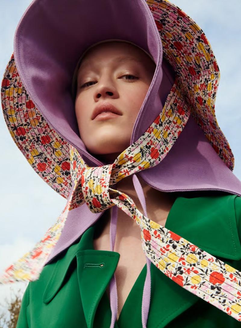 Elizabeth Davison Lives the Simple Life in Harper's Bazaar Netherlands