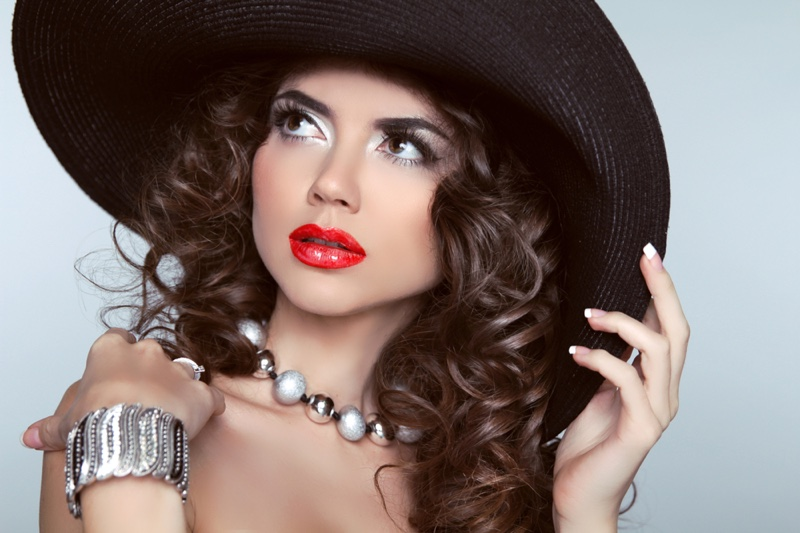 Glam Model Jewelry Curly Hair Hat Brunette