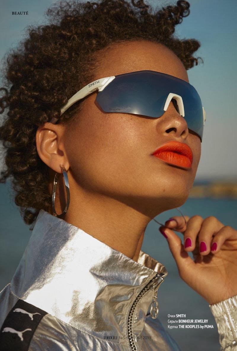 Litza Veloz Models Summer Beauty for L'Officiel Kazakhstan