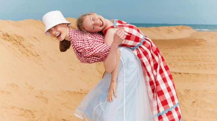 Eva, Kaylie & Sofia Wear Beach Looks for Marie Claire Turkey