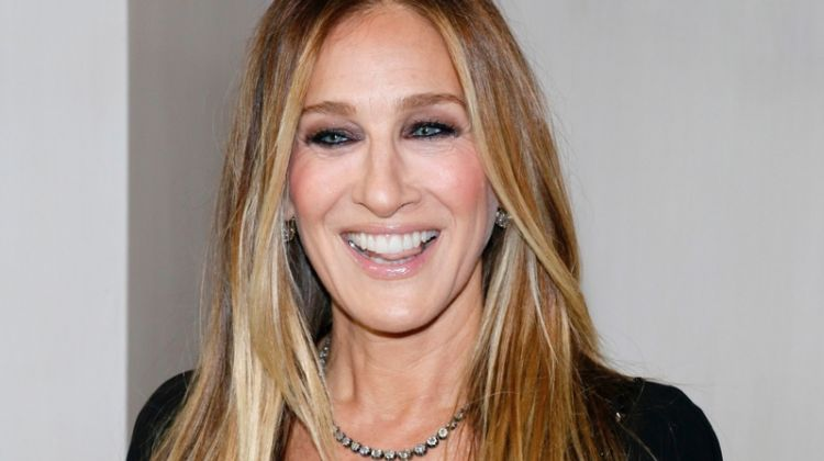 Sarah Jessica Parker wears a front layered cut.