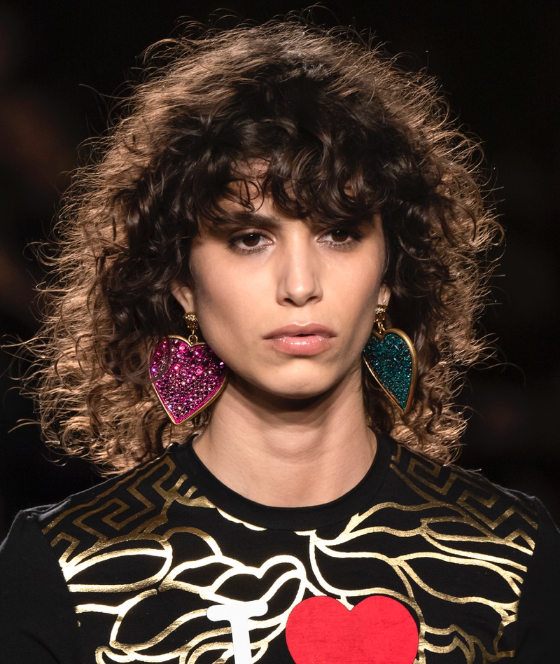 A shaggy hairstyle on the runway.