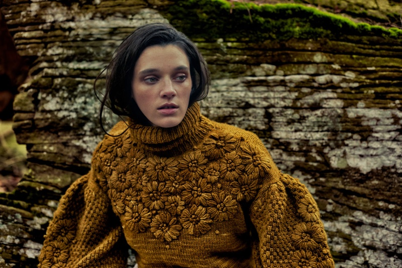 Knitwear stands out in Ulla Johnson pre-fall 2019 campaign
