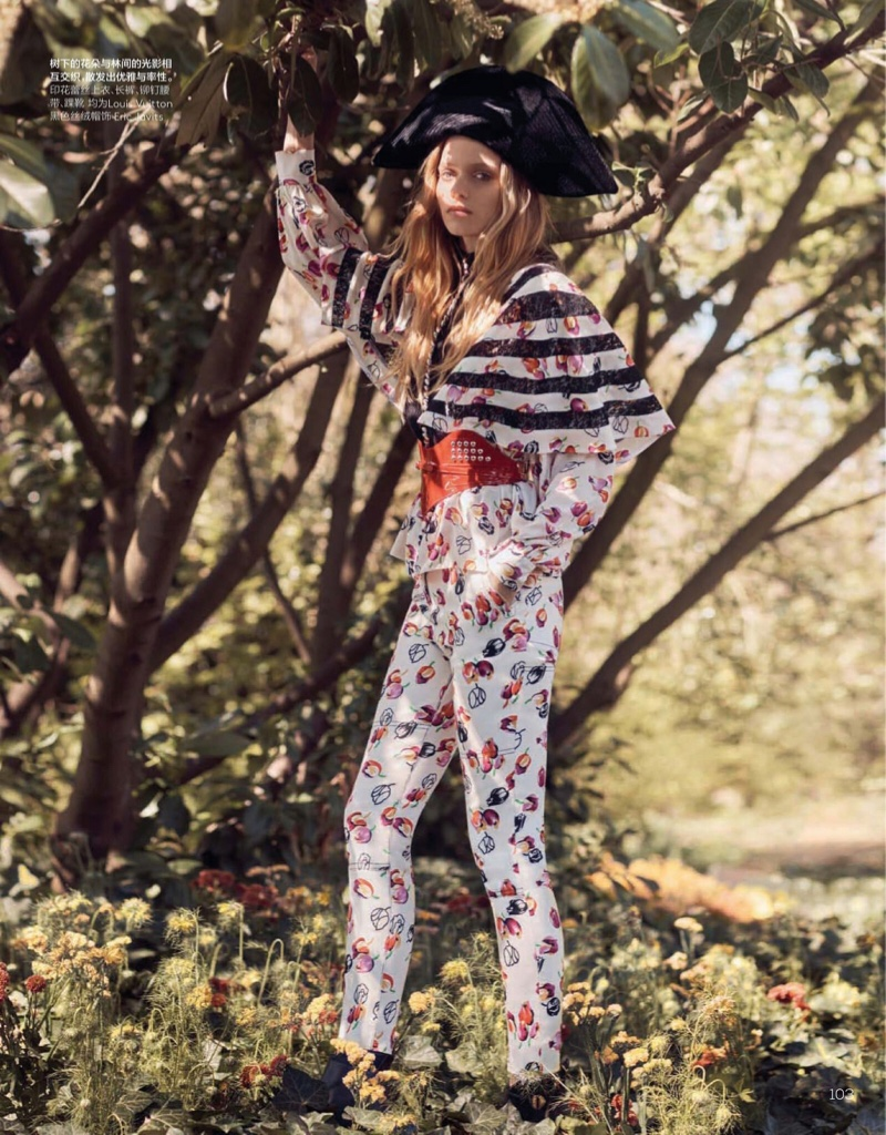 Abbey Lee Kershaw Models Romantic Looks for Vogue China