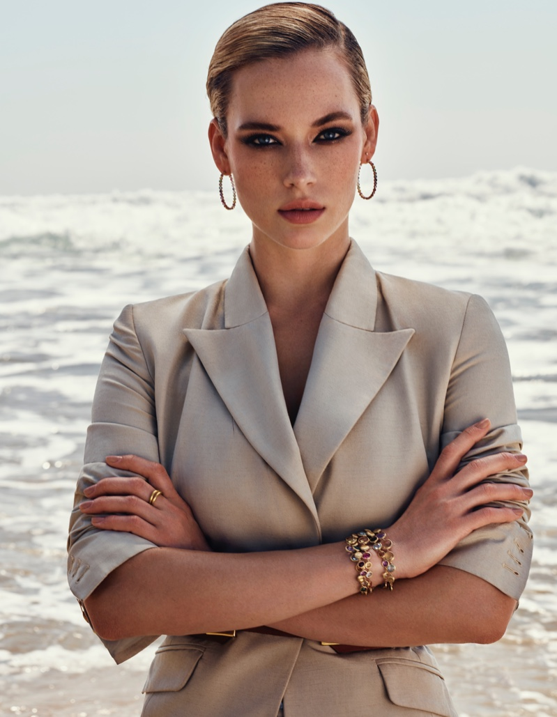 Hannah Ferguson Tries On Summer Beauty for Vogue Arabia