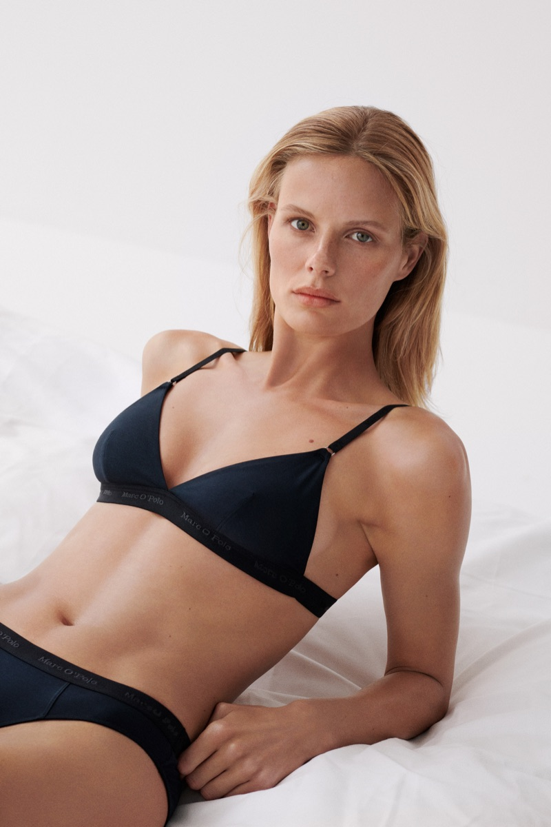 Flaunting her figure, Marlijn Hoek appears in Marc O'Polo Body + Beach 2019 campaign