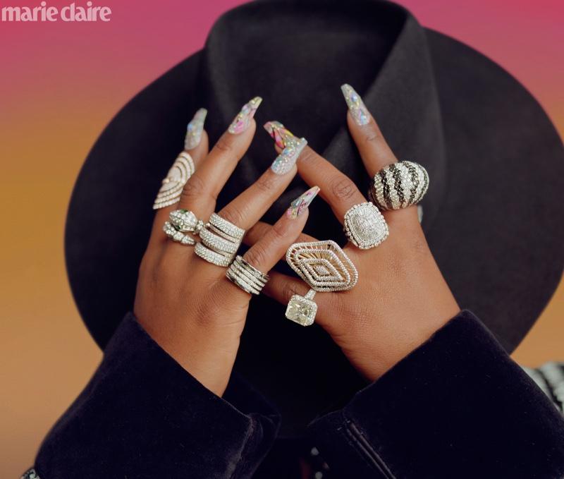 Missy Elliott shows off glittering rings