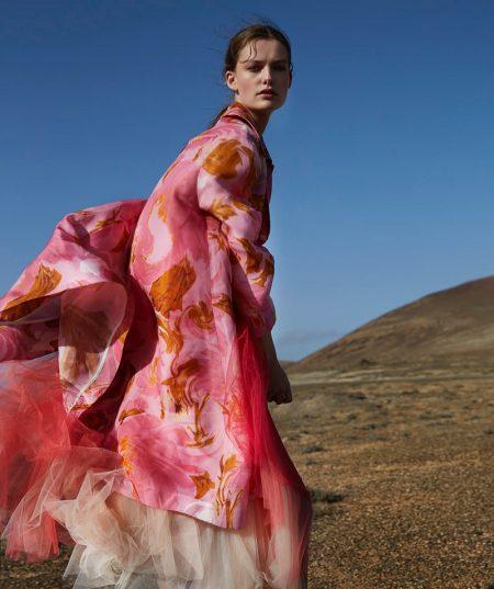 Sara van der Hoek Embraces Artsy Prints for Marie Claire Netherlands
