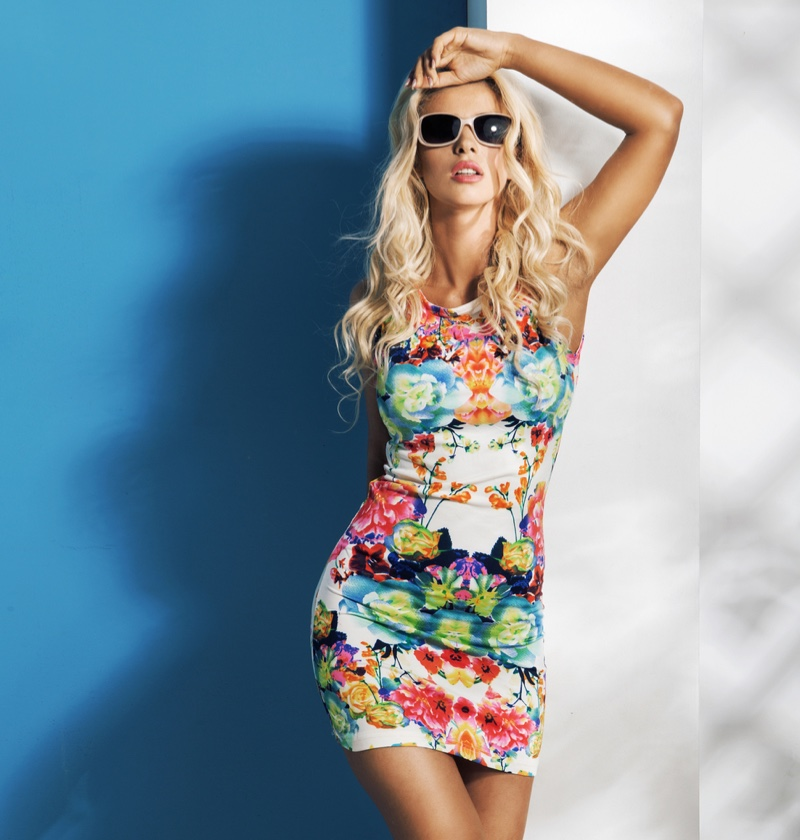Blonde Model Print Mini Dress Sunglasses