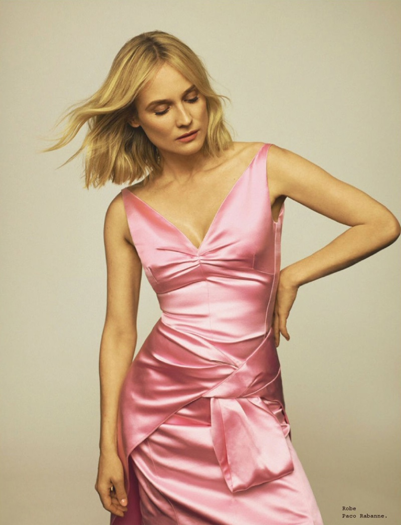Diane Kruger strikes a pose in Paco Rabanne dress