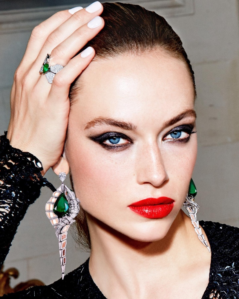Model Hannah Ferguson wears Orlov Croco Dream collection made with emeralds