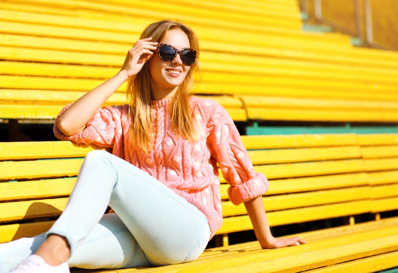 Model Casual Look Sweater Jeans Sunglasses Blonde