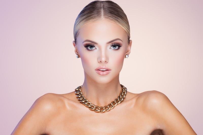 Model Gold Necklace Earrings Blonde Jewelry Beauty