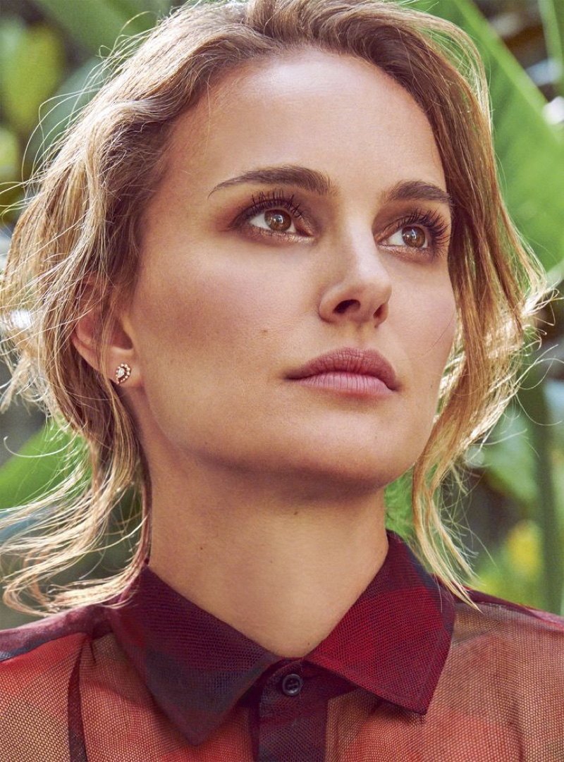 Ready for her closeup, Natalie Portman shows off wavy updo