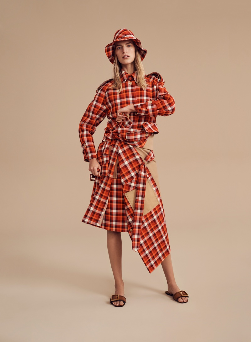 Oroton focuses on plaid for spring-summer 2019 campaign