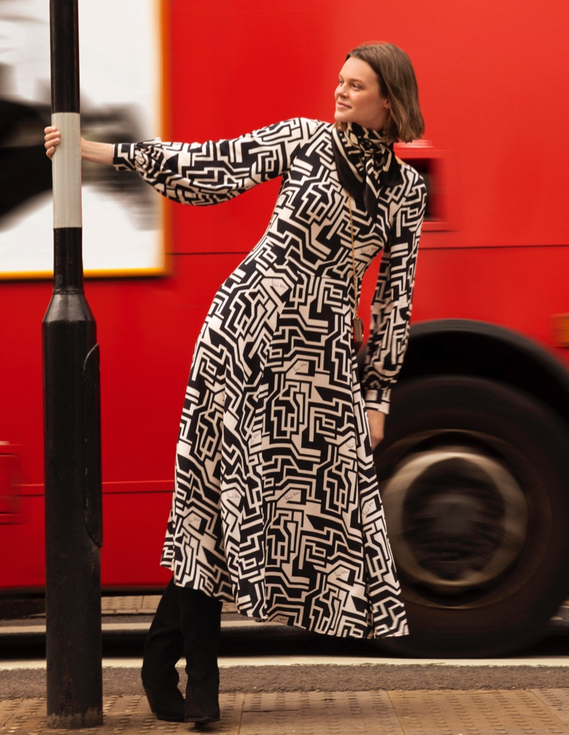 Inspired by the 1960s, H&M teams up with British brand Richard Allan
