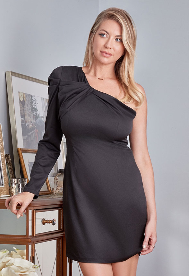 Stassi Schroeder wears little black dress from second Outfit of the Day collaboration