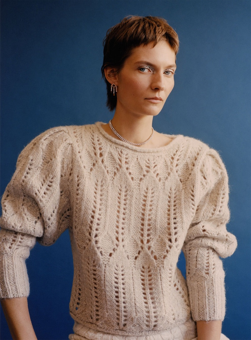 Karolin Wolter poses in chic knitwear from Zara