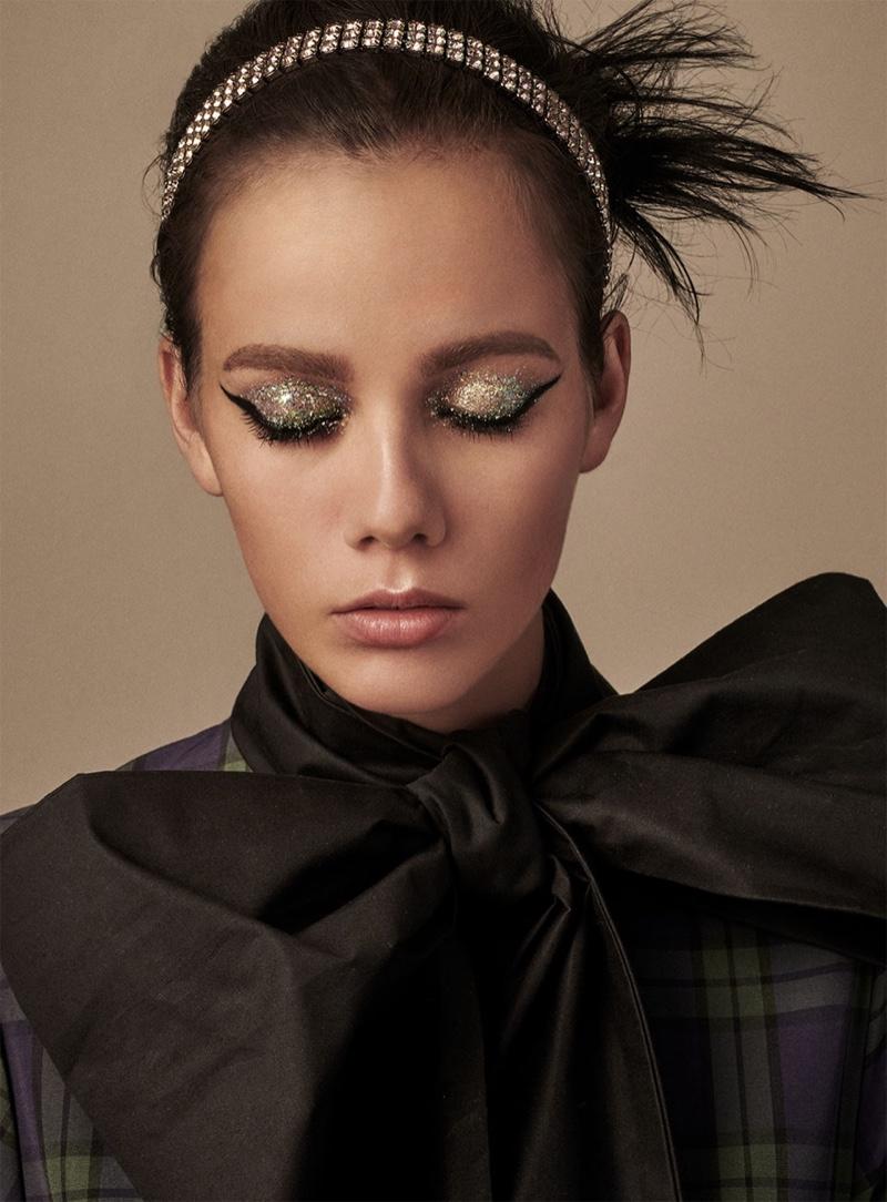 Marjan Jonkman wears silver eyeshadow look