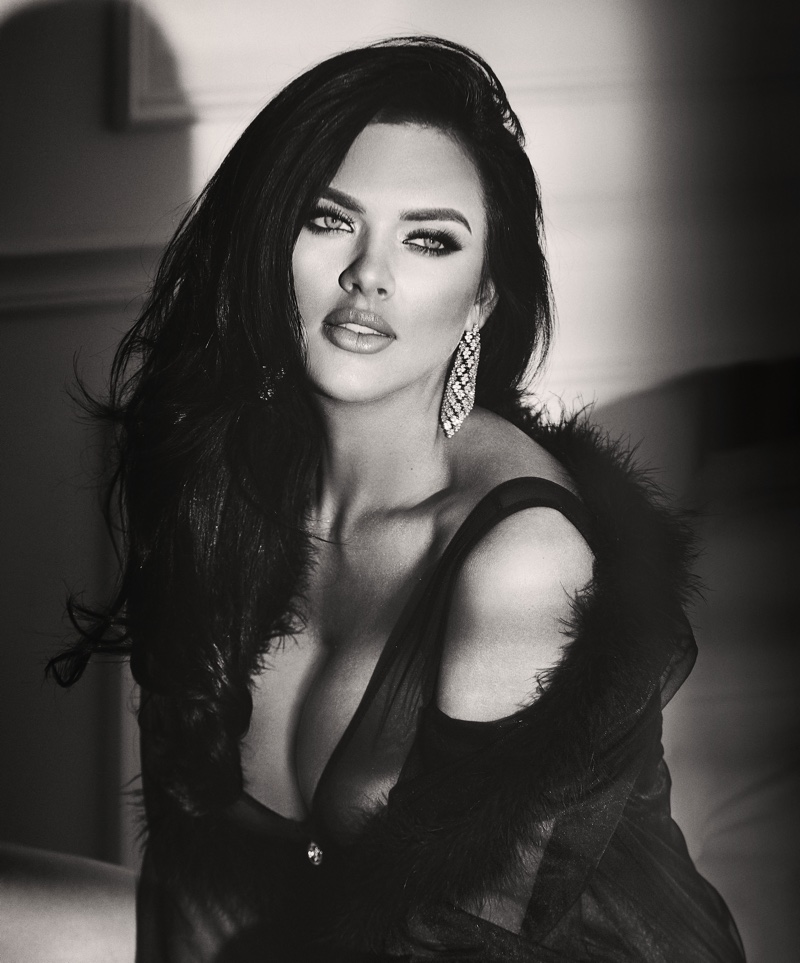 Kelsie Smeby stars in Guess Seductive Noir fragrance campaign