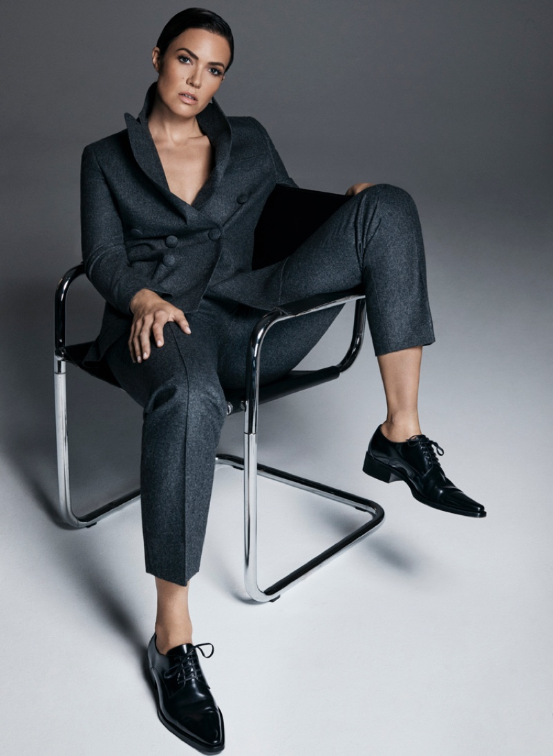 Suiting up, Mandy Moore wears Officine Generale jacket and pants with Dolce & Gabbana shoes
