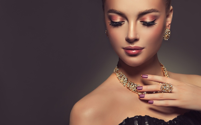 Model Gold Jewelry Earrings Necklace Ring Beauty Makeup