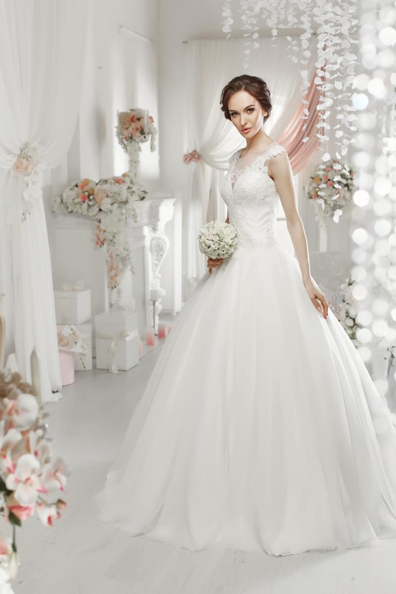 Model White Wedding Dress Elegant Fashion Portrait