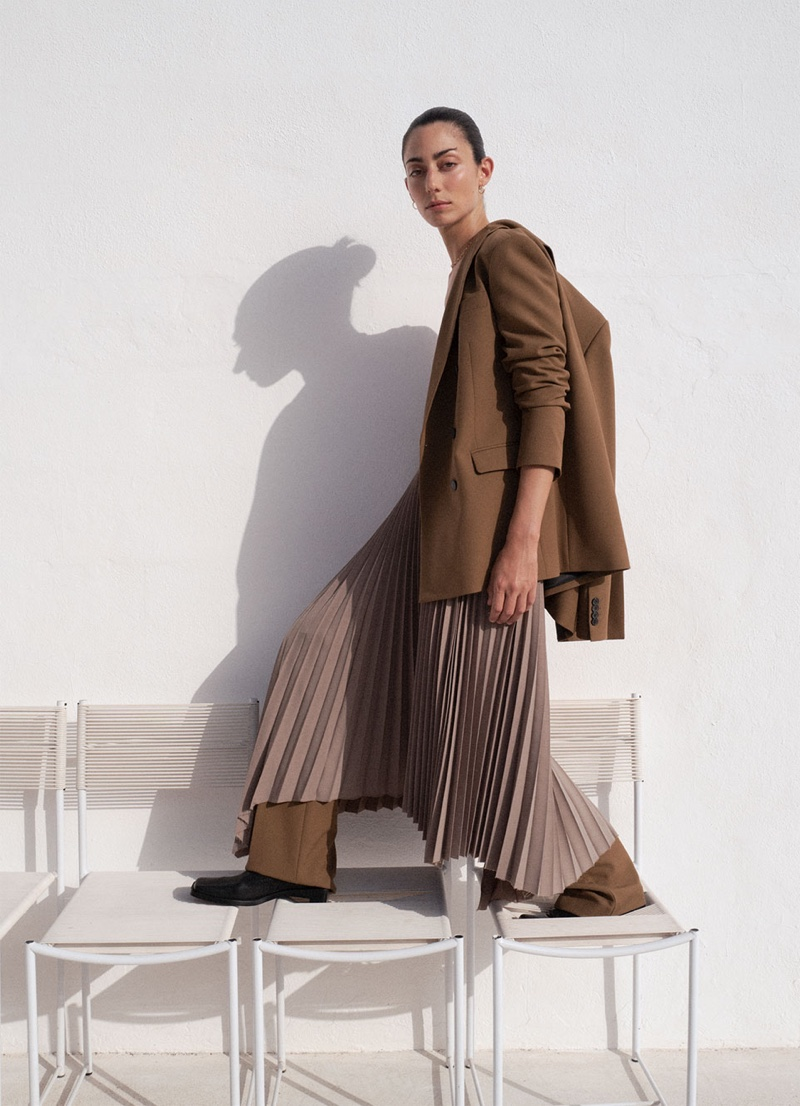 Zara focuses on neutral hues for its fall-winter 2019 collection