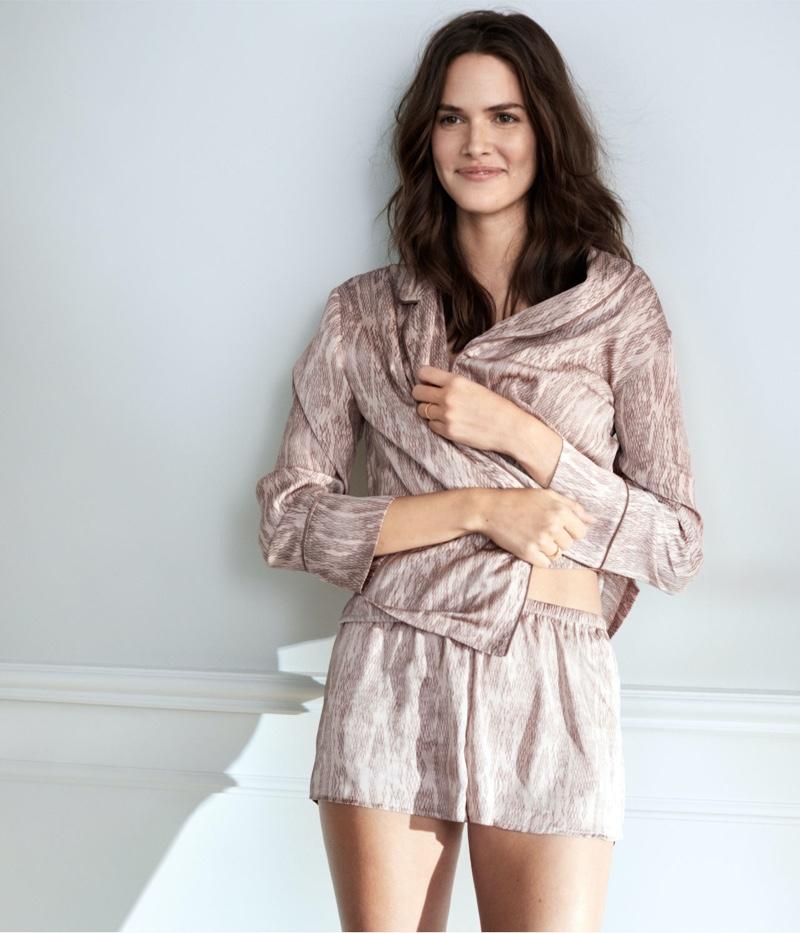 Vanessa Moody poses in H&M satin pajamas short set