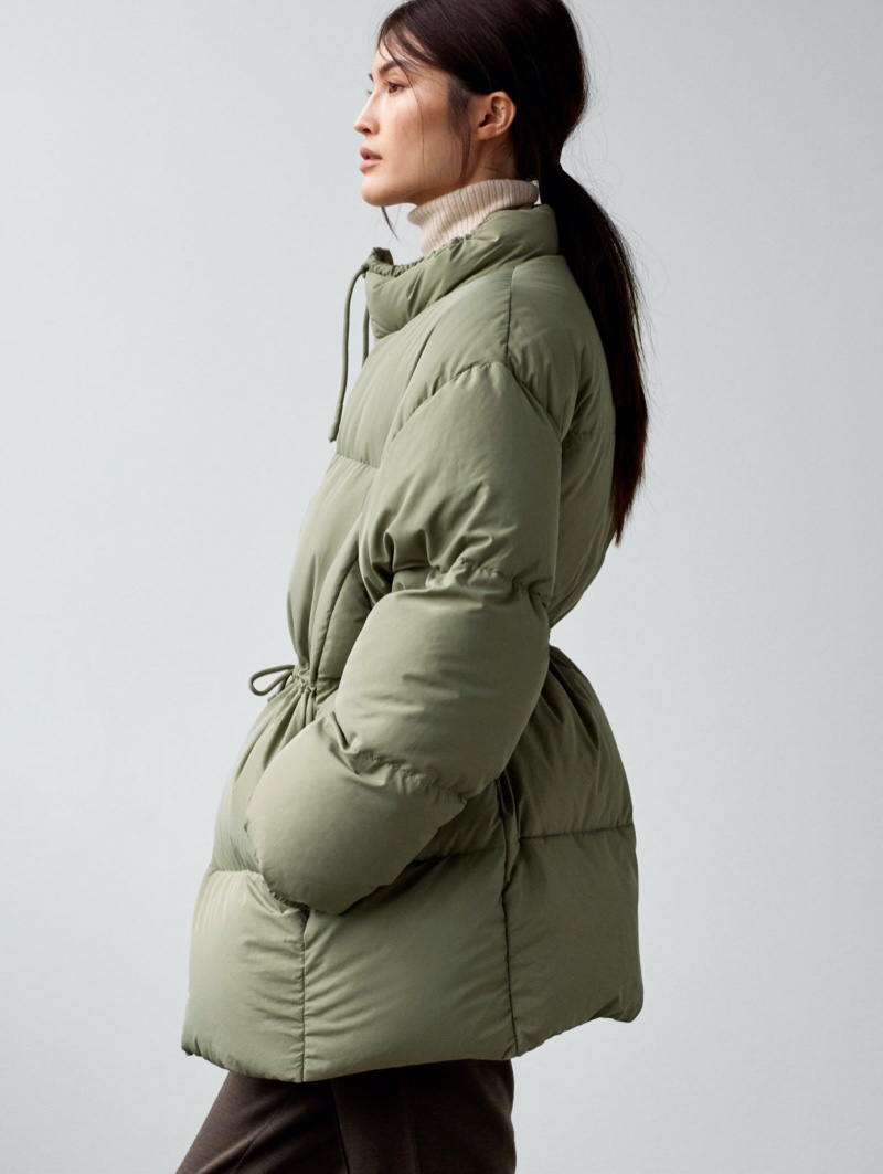 Sui He models H&M oversized down jacket