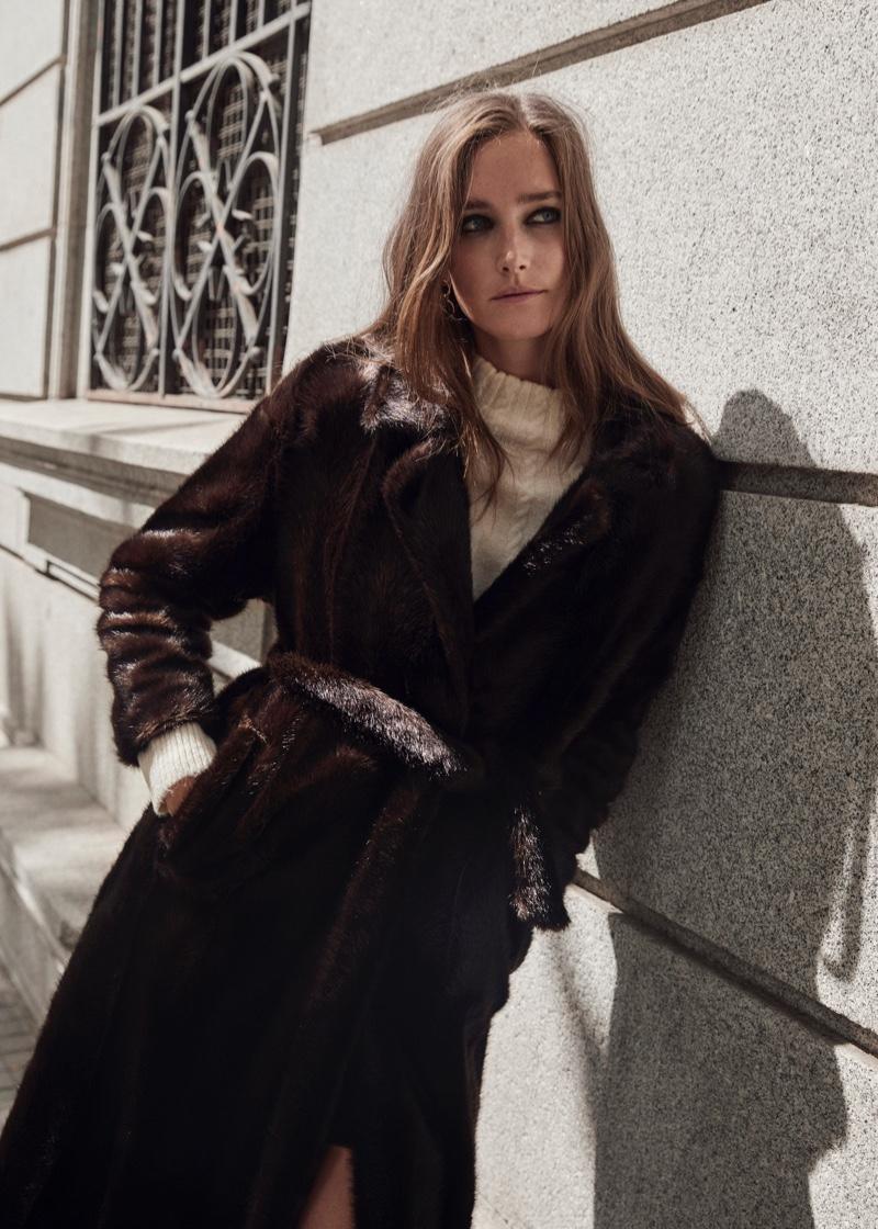 Mango spotlights 1970's inspired coats for fall-winter 2019 season