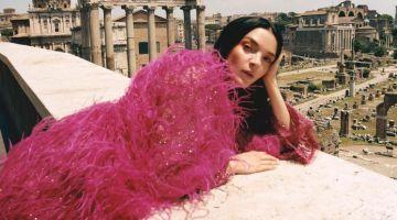 Mariacarla Boscono Models Statement Styles in Modern Weekly China
