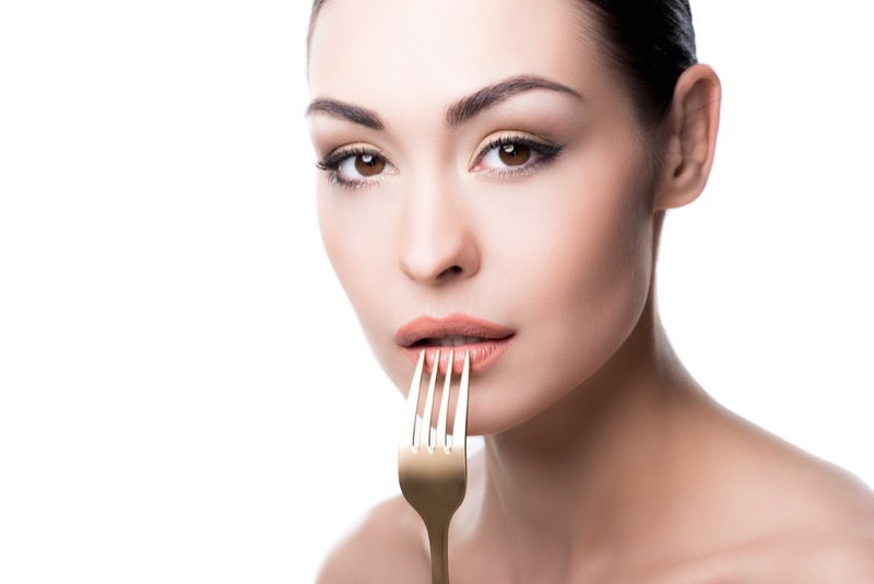 Model Fork Beauty Makeup