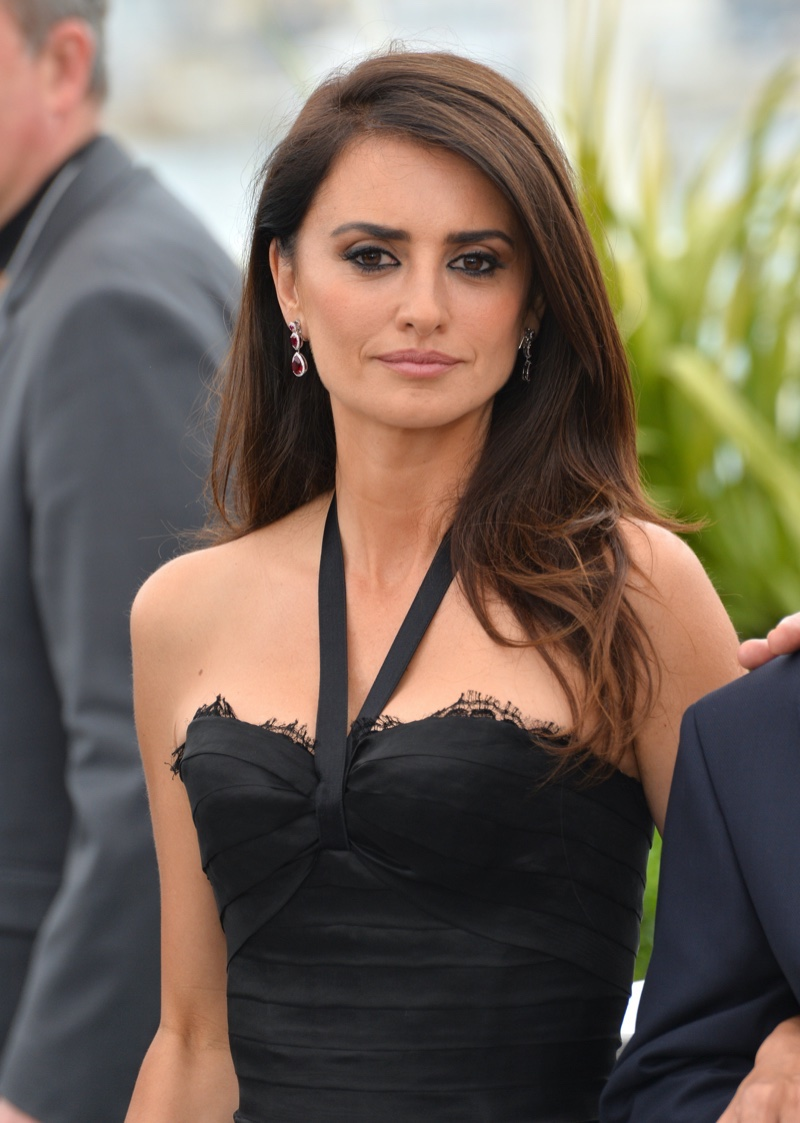 Penelope Cruz is famous for her dark brown tresses.