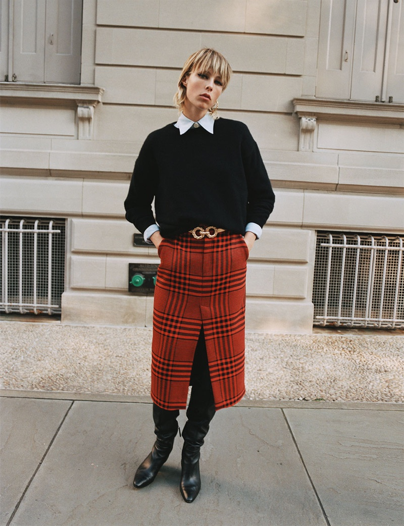 Zara Sweater, Shirt with Pleated Sleeves, Plaid Pencil Skirt and Heeled Leather Boots