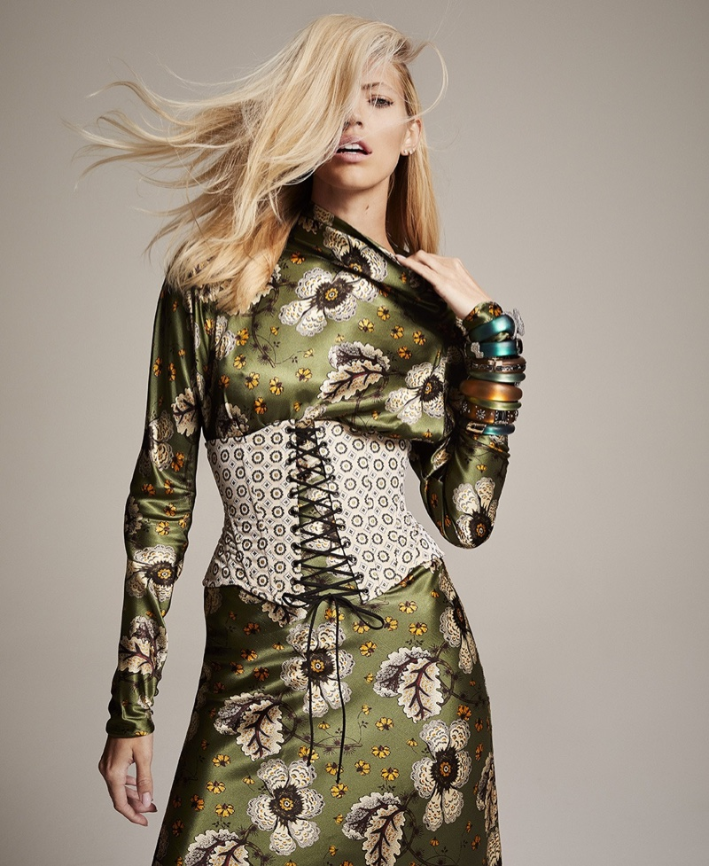 Devon Windsor Wears Elegant Autumn Styles for Bal Harbour