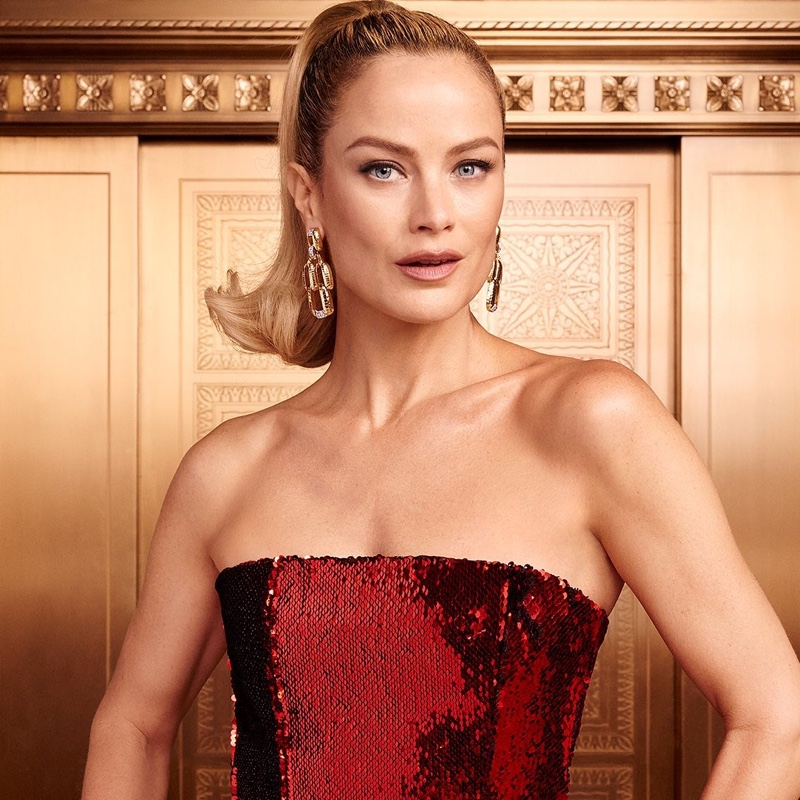 Carolyn Murphy stars in Estee Lauder Holiday 2019 campaign