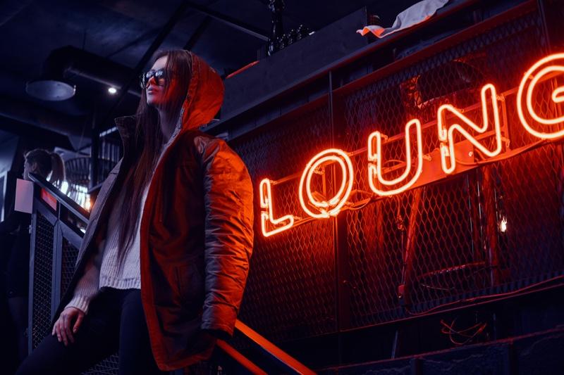 Fashion Model Coat LED Neon Sign