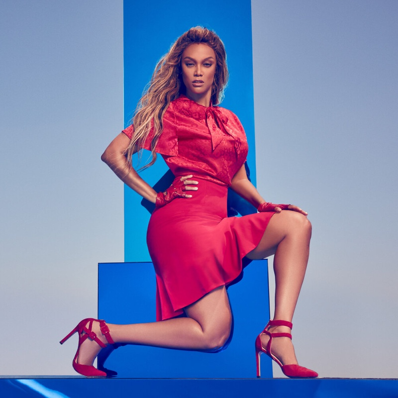 Tyra Banks looks red-hot in Nine West fall-winter 2019 campaign