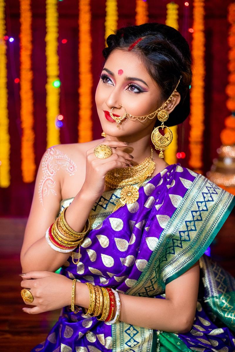 Beautiful Indian Woman Wedding Sari Jewelry