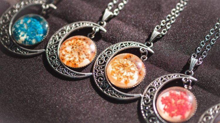 Dried Flowers Jewelry