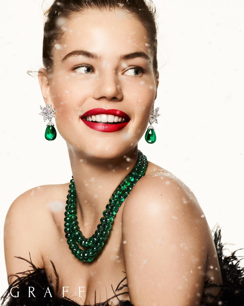 Shining in green, Myrthe Bolt fronts Graff Diamonds Christmas 2019 campaign