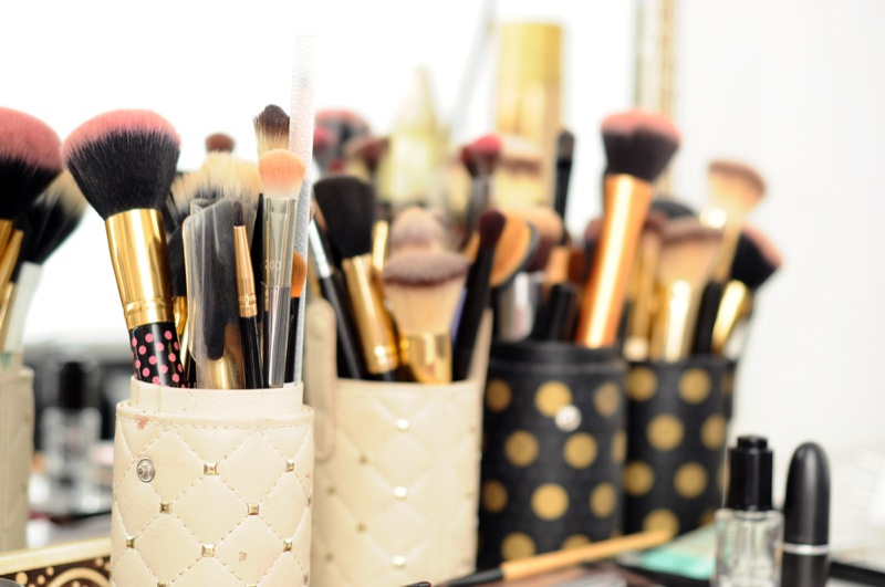 Makeup Brushes Table Collection Set