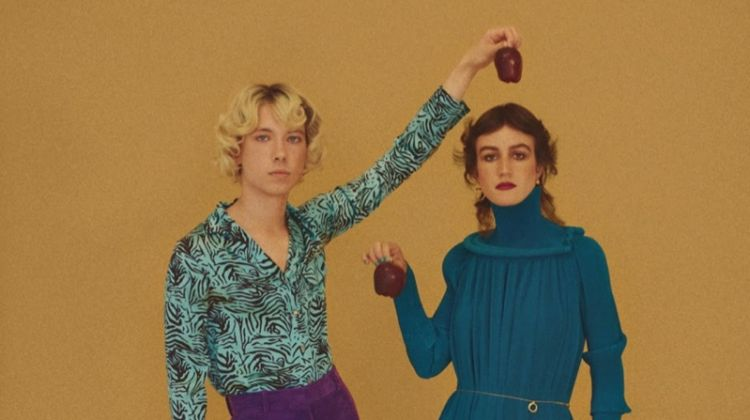 The Vogue Bunch: Retro Holiday Fashion for Vogue Portugal