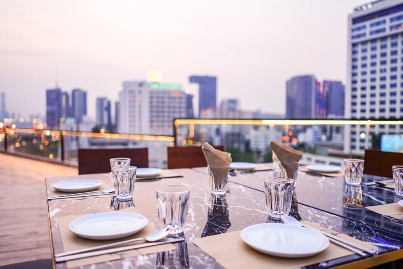 Rooftop Bar Table Setup