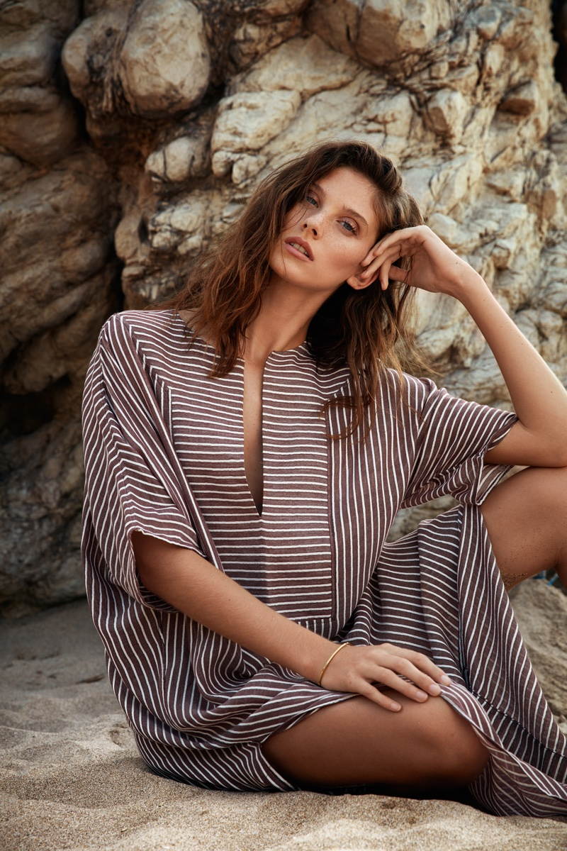 SU Paris showcases Tia kaftan in summer 2019 campaign