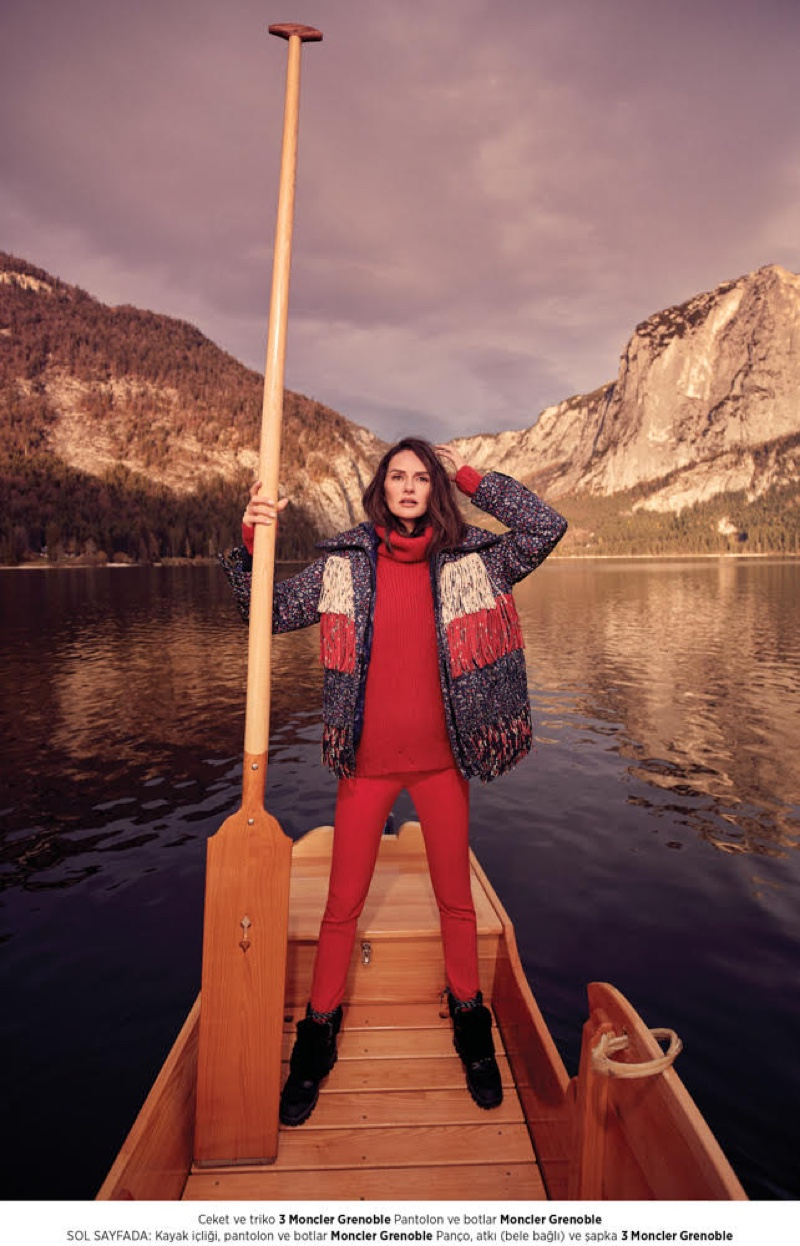 Dressed in red, Yasemin Ozilhan embraces apres-ski style