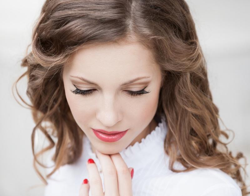 Beauty Woman Glam Makeup Long Eyelashes Pink Lips