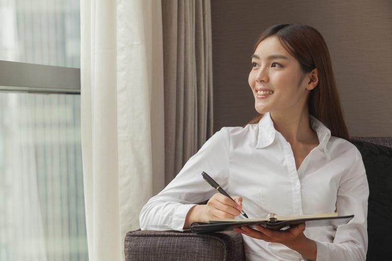 Asian Woman White Button-up Shirt Clipboard Pen